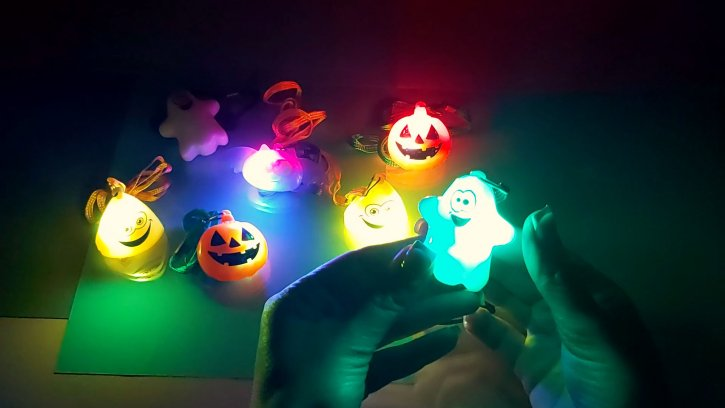 Детские светящиеся кулоны Монстрики оптом изображения 2