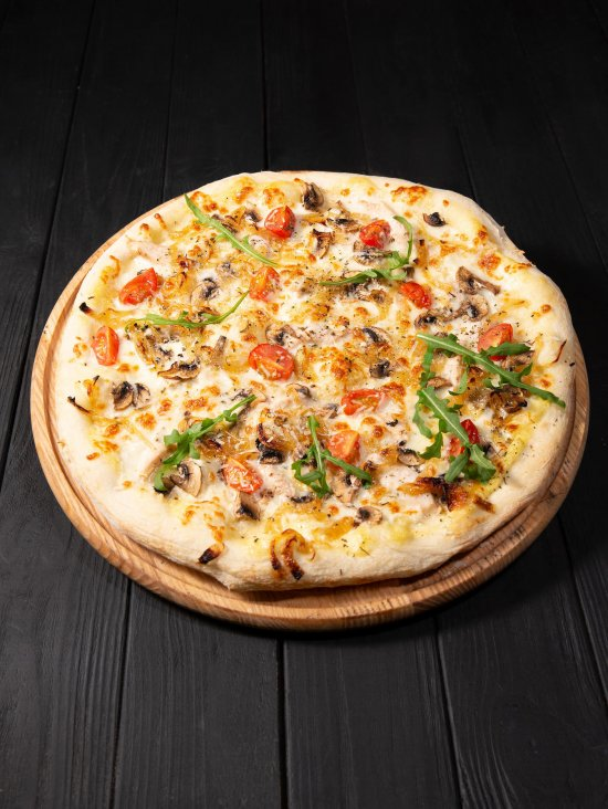 Пицца Совиньон с курицо и грбами фото-1