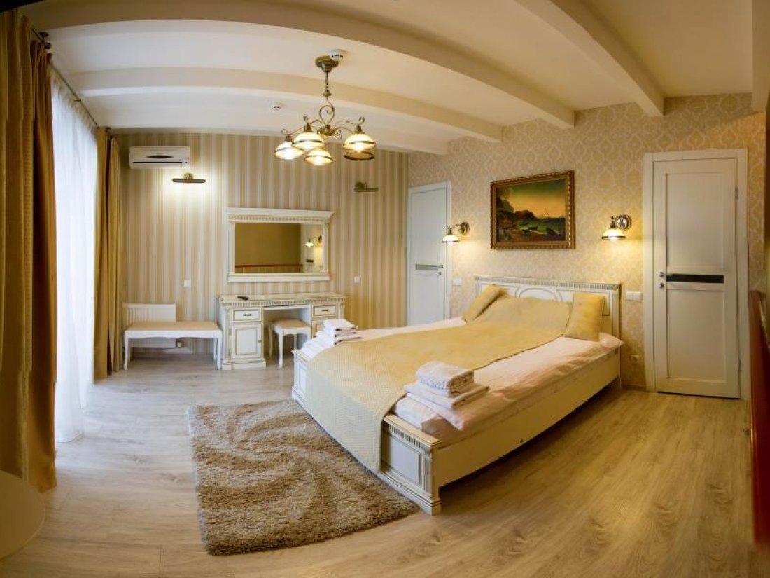 Отель Коляда, Номер Апартаменты с видом на море - фото 1