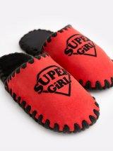 Детские домашние тапочки Super Girl красные закрытые, Family Story - 2