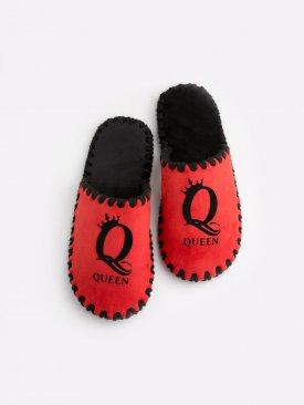 Женские домашние тапочки Queen красные закрытые, Family Story - 1