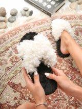Женские домашние тапочки барашки иксики Белого цвета, Family Story - 1