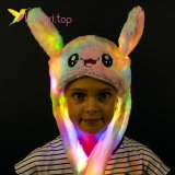 Светящиеся шапка с двигающимися ушами Зайка цветной оптом фото 1