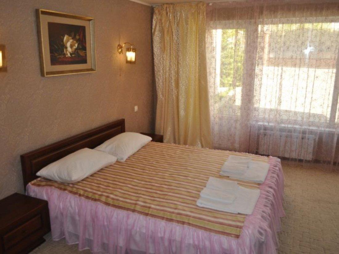 Отель Lux Hotel, Номер Полулюкс - фото 2