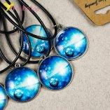 Светящиеся флуоресцентные кулоны Одинокая Планета оптом фото 01