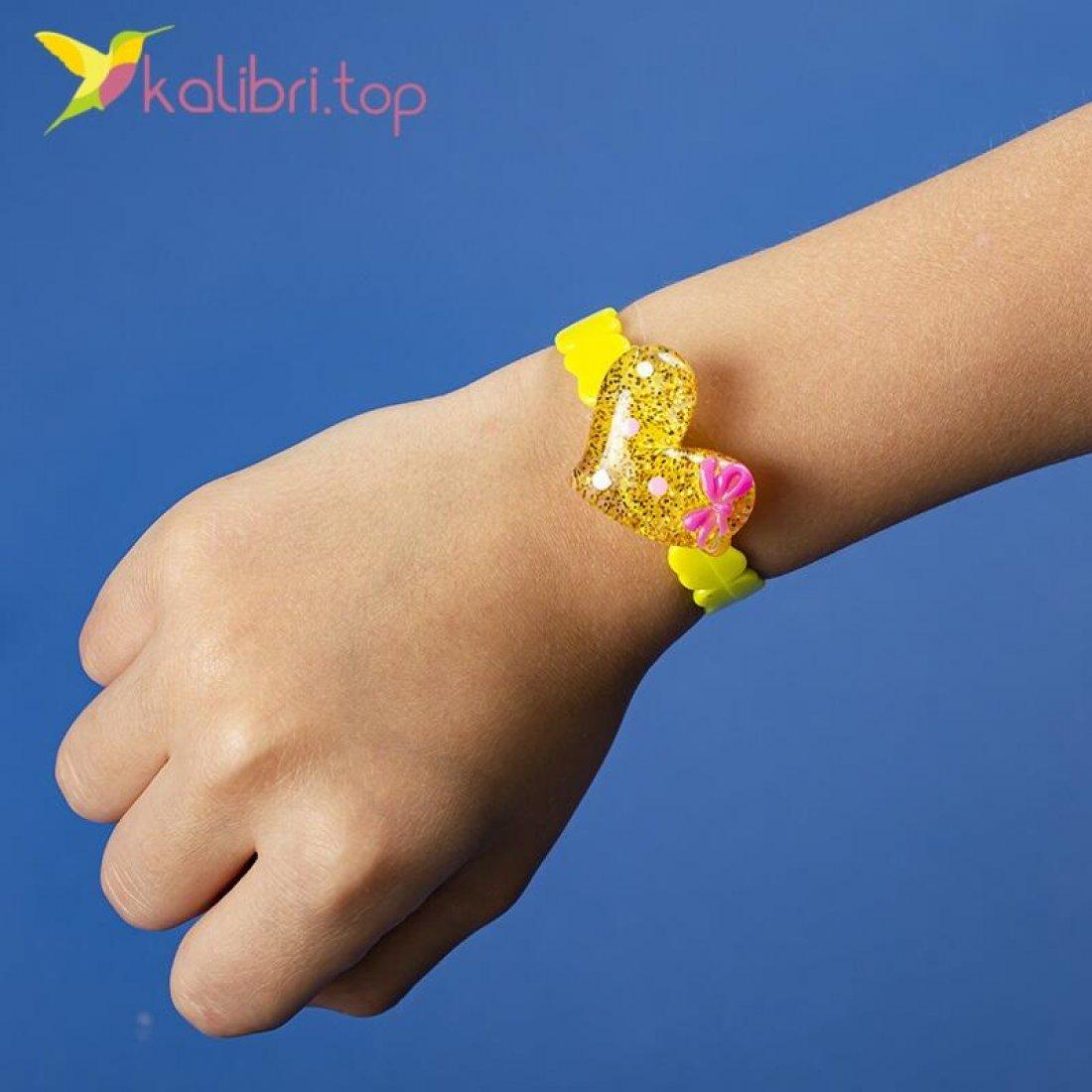 Детский браслет на руку Сердечки оптом фото 01
